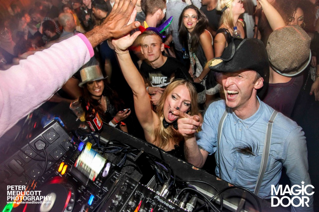 DJ-High-Five-Magic-Door-Club-Photography-Birmingham-Peter-Medlicott-Night-Club-West-Midlands