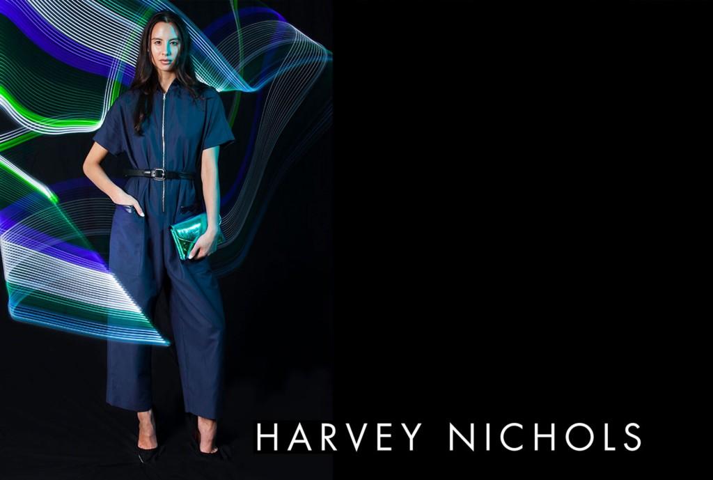 Harvey-Nics-Light-painting-artist-Sola
