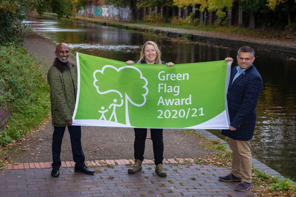 Editorial and PR Photography in Birmingham and London , Award for Canal and River Trust Green Flag Award by Photographer Peter Medlicott